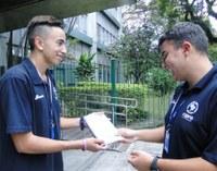 Jovens de Porto Alegre produzem manual com dicas para novatos do programa